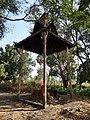 Wat Kampong Tralach Leu Krematorium 04.jpg