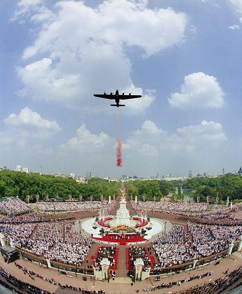 File:Wedding cake, Buckingham palace 'poppy drop' during the 50th year VE - VJ day celebrations. MOD 45137359.jpg