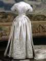 Wedding dress of Louise of the Netherlands, Queen consort of Sweden and Norway 02.tif
