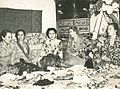 Wedding feast, Wanita di Indonesia p17 (JP Donkers, Komisiariat Agung).jpg