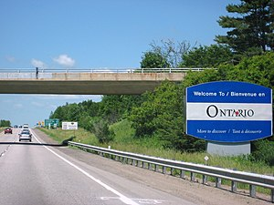 Ontario Highway 417 - Autoroute 40 becomes Highway 417 at the Ontario border; both form the mainline of the Trans-Canada Highway.