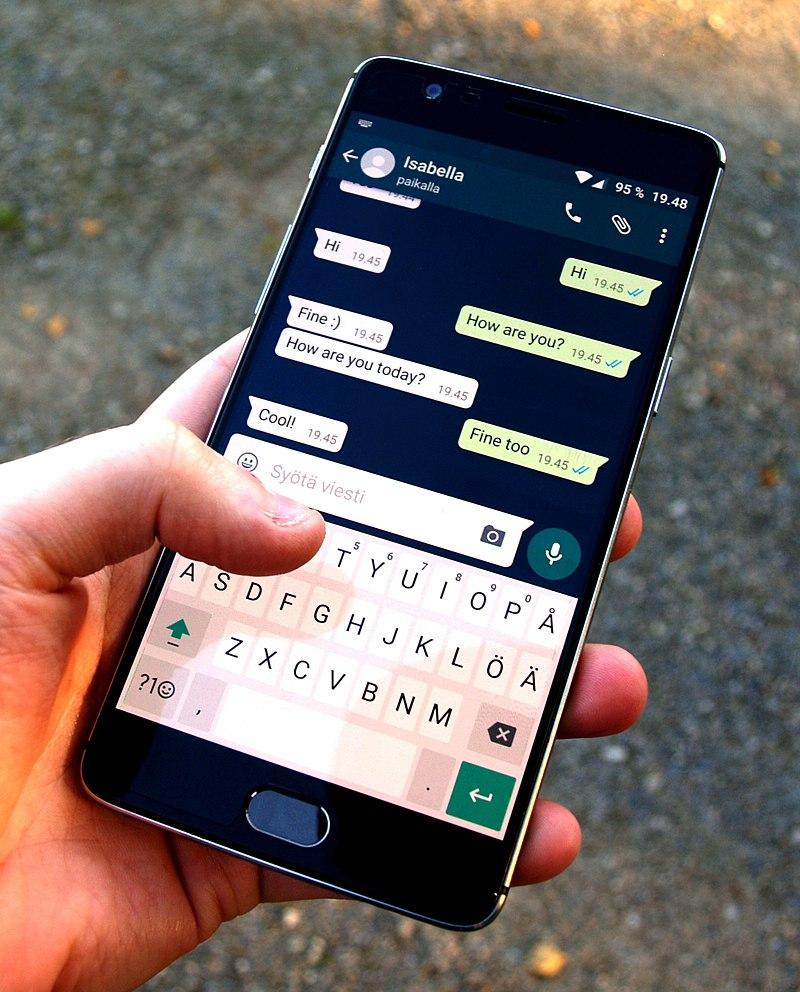 Charlando con Whatsapp