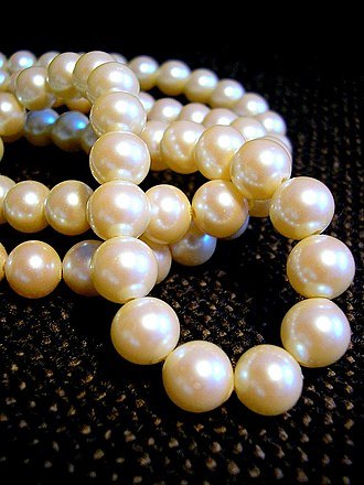 Cultured pearl - White pearl necklace