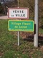 Yèvre-la-Ville-FR-45-panneau d'agglomération-01.jpg