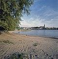 Zicht op Waalkade vanaf overkant Waal - Nijmegen - 20358129 - RCE.jpg