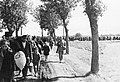 File:Bundesarchiv R 49 Bild-0131, Aussiedlung von Polen im ...