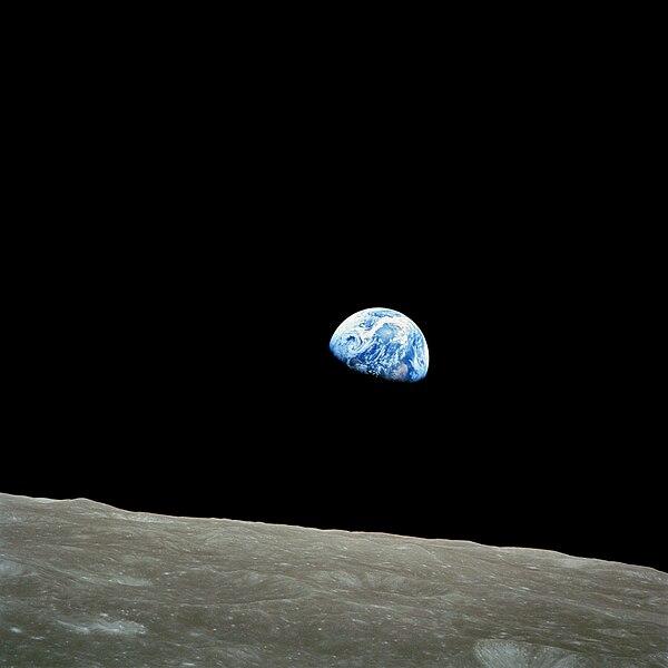 Datei:NASA-Apollo8-Dec24-Earthrise.jpg
