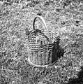 """""""Caja"""" (košarica za črešnje obirat), dviš. 20cm, premer 18 in 21cm. Kočarija 1956.jpg"""