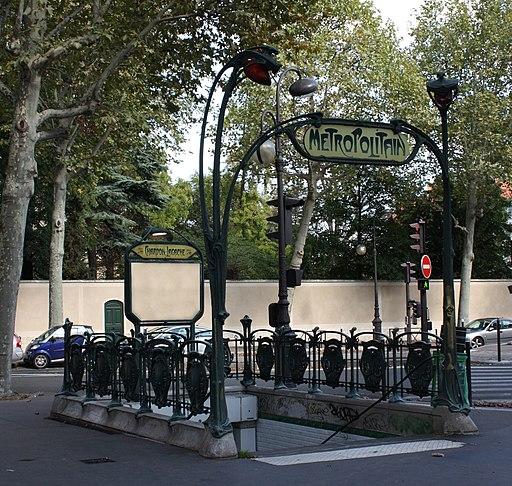 Édicule Guimard Station métro Chardon-Lagache