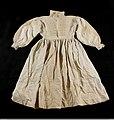 Överdelssärk med överdel i fin linnelärft och nederdel av halvlinne med varp av bomullsgarn - Nordiska museet - NM.0000536A.jpg