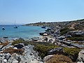 Παραλία και αγκυροβολημένα σκάφη στη Δία - Beach and anchored boats on Dia 01.jpg