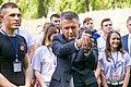 Вадим Красносельский с пистолетом.jpg