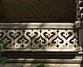 Дача Г.Г. Бертлинга Болотная 13. Фрагмент резьбы балкона на втором этаже.jpg