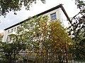 Дом, построенный как жилой - в настоящее время здание начальной школы, Новосибирск.jpg