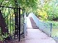 Мостик для пешеходов через Яузу - panoramio.jpg