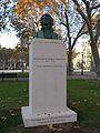 009 Monument al general Moragues, pla del Palau.JPG