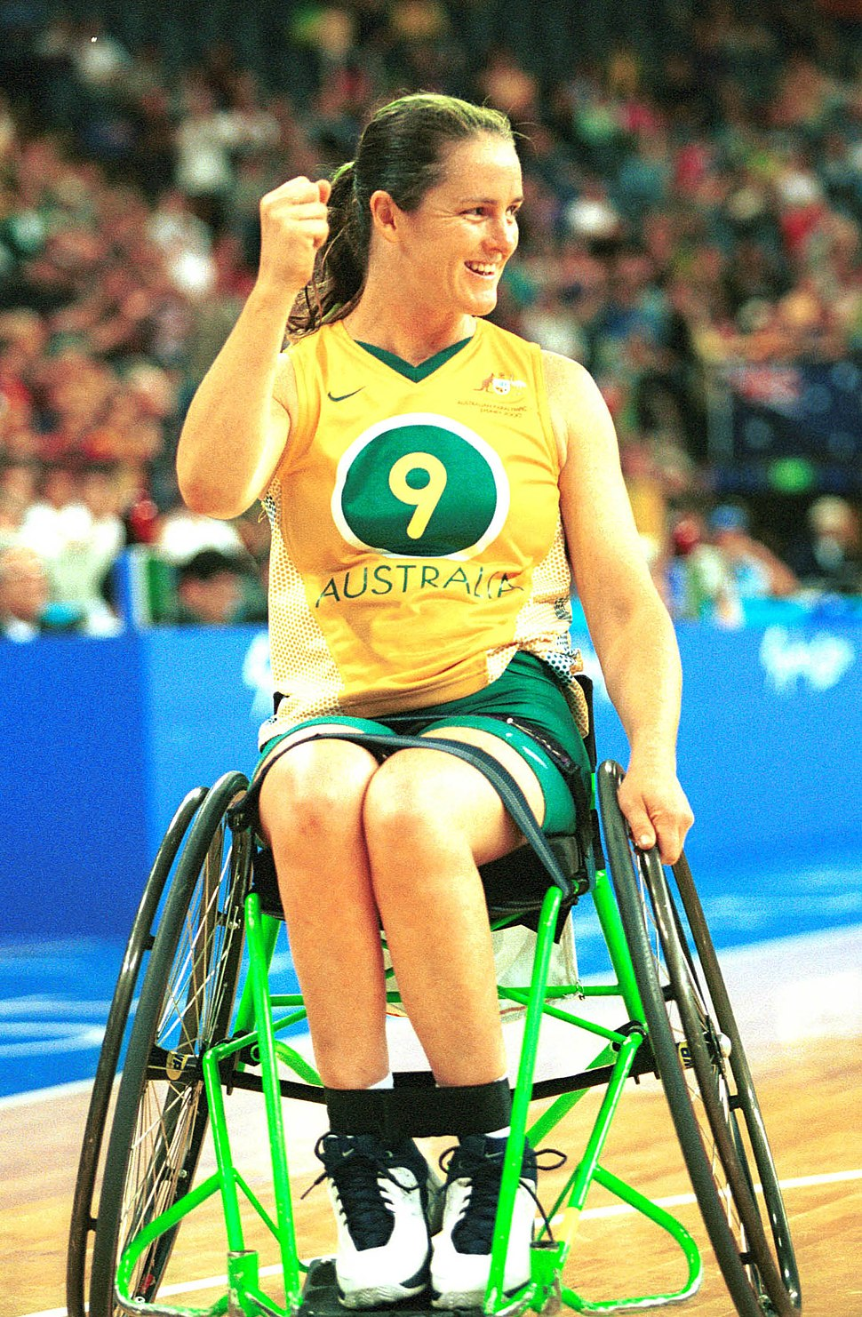 141100 - Wheelchair basketball Liesl Tesch stoked 2 - 3b - 2000 Sydney match photo