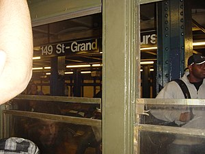 149th Street Grand Concourse IRT Jerome platform.JPG