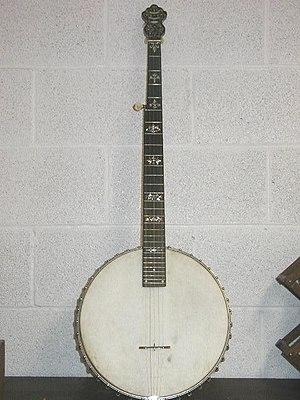 William W. Destler - Image: 1902 A.A. Farland 5 string cello banjo