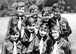 Girl Guides - A Girl Guide troop in the United Kingdom, 1918
