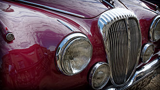 "Daimler 250 - Fluted or ""furrowed brow"" grille on a 1967 2.5 V8"