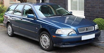 Volvo V40 (1 поколение)