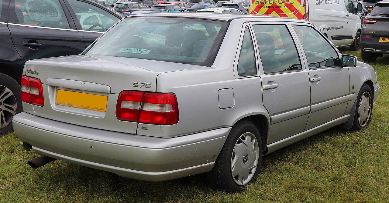 File 1999 Volvo S70 10v Automatic 2 4 Rear Jpg Wikimedia Commons