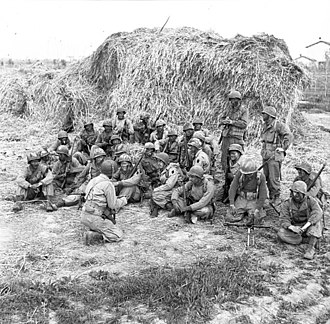 First Special Service Force - Personnel being briefed before setting out on a patrol at the Anzio beachhead