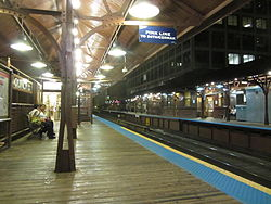 20110830 17 CTA Loop L @ Quincy & Wells.jpg