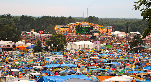 From commons.wikimedia.org: 2012-08 Woodstock 26 {MID-154327}