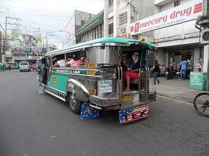 2014-11-24 Jeepneys in Batangas City 01.jpg