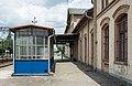 2016 Dworzec kolejowy w Strzelinie, zejście do tunelu 1.jpg