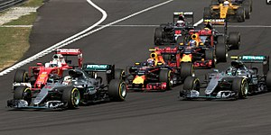 Mercedes F1 W07 Hybrid - Opening lap of the Malaysian Grand Prix, right before the collision between Vettel and Rosberg