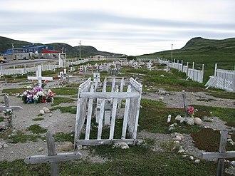 Kangiqsualujjuaq - Kangiqsualujjuaq cemetery
