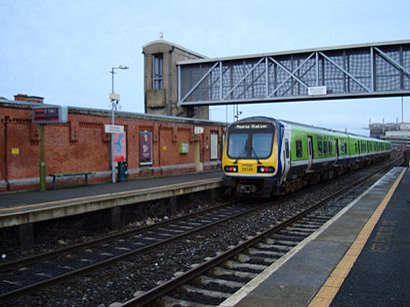 Come arrivare a Drumcondra Station con i mezzi pubblici - Informazioni sul luogo