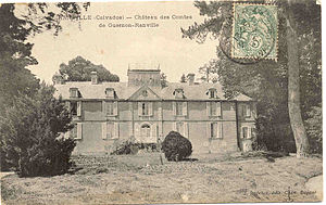 Chateau de Guernon-Ranville - Postcard of the side of the château in the early 20th century