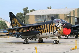 Un Corsair II de la base d'Araxos en 2008 aux couleurs de la NATO Tiger Association.