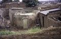 ASC Leiden - van Achterberg Collection - 5 - 007 - Vue de petites maisons basses carrées de brique et d'argile - Bobo-Dioulasso, Burkina Faso, 19-26 août 2001.tif