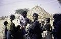 ASC Leiden - van Achterberg Collection - 6 - 067 - Une jeune femme touareg en vêtements traditionnels et boucles d'oreilles en argent (= tizabaten) - Entre Tabelot et Agadez, Niger - janvier 2005.tif