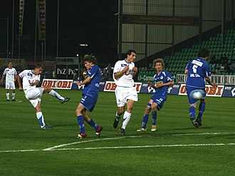 Almen Abdi - Abdi (far left) takes a shot against Luzern