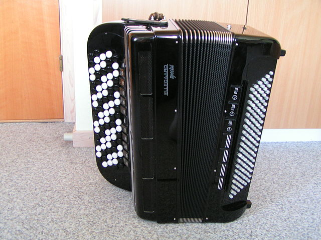 Muzički Instrumenti 640px-Accordeon