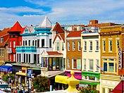 Casas geminadas coloridas em Adams Morgan