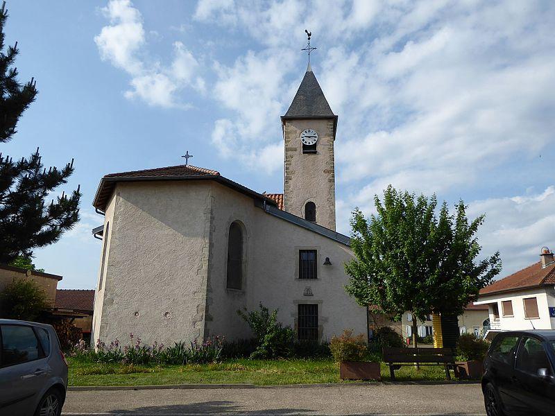 Église de l'Assomption (XVIIIème siècle) et sa tour romane du XIIème siècle à Agincourt près de Nancy en Lorraine.