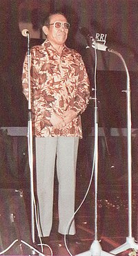 Ali Moertopo closing Indonesian Film Festival, Festival Film Indonesia (1982), 1983, p67.jpg