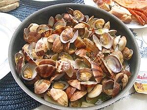 Portuguese cuisine - Amêijoas à Bulhão Pato, a Portuguese clam dish