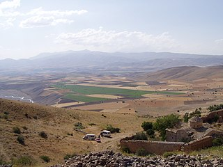 Aprank valley ^ Surb Hovanes Armenian Church near Big Khachkars (Cross-Stones) ^ Surb David Chapel - panoramio.jpg