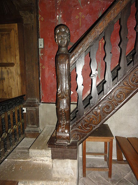 Arcangues sculpture balcon de l'église