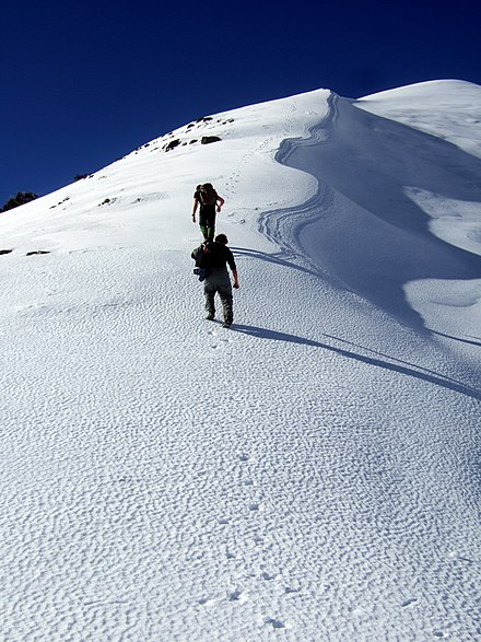 Ascending to the summit of Mount Feathertop, in winter. Ascending Mt Feathertop Stevage.jpg