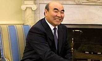 Askar Akayev - Akayev in Washington 2002
