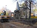Aushub per Bagger 1m Alter St. Nikolai-Friedhof Nikolaikapelle Hannover, 03 Blick Richtung Cinemax.JPG